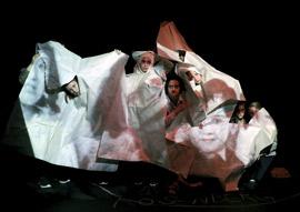 """Theaterprojekt """"Rastplatz Marzahn"""", Foto: Nihad Nino Puš̌ija"""